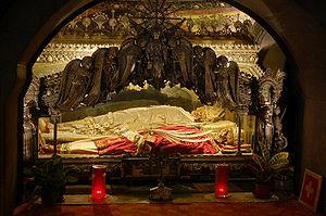 300px-Sant'Ambrogio_Cript_in_Basilica_of_Sant'Ambrogio,_Milan